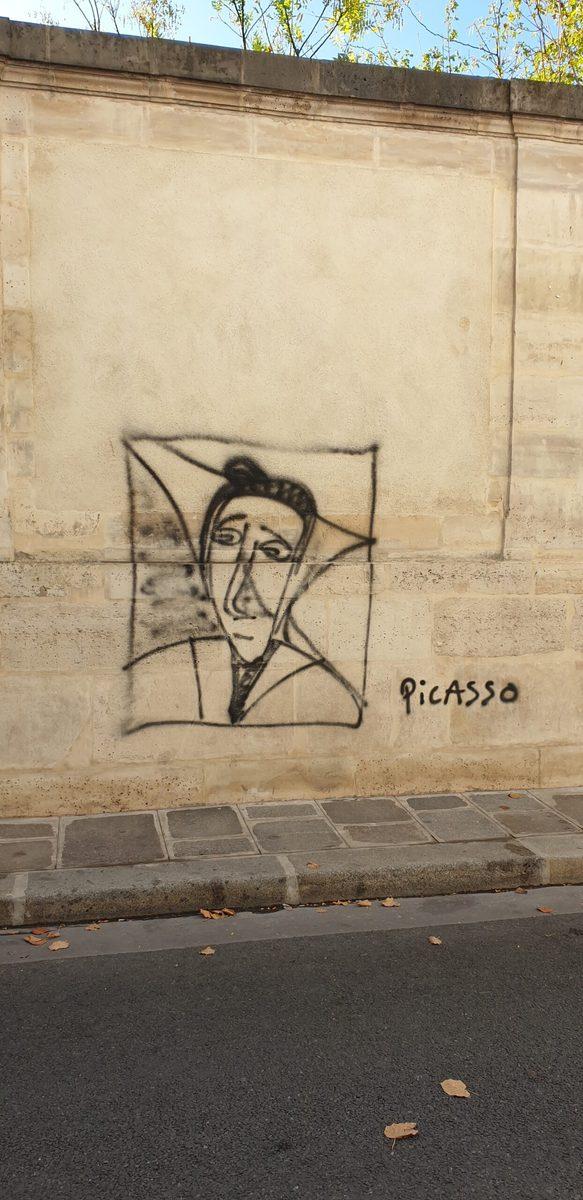 Karikatur auf der Mauer des Picasso Museum Paris