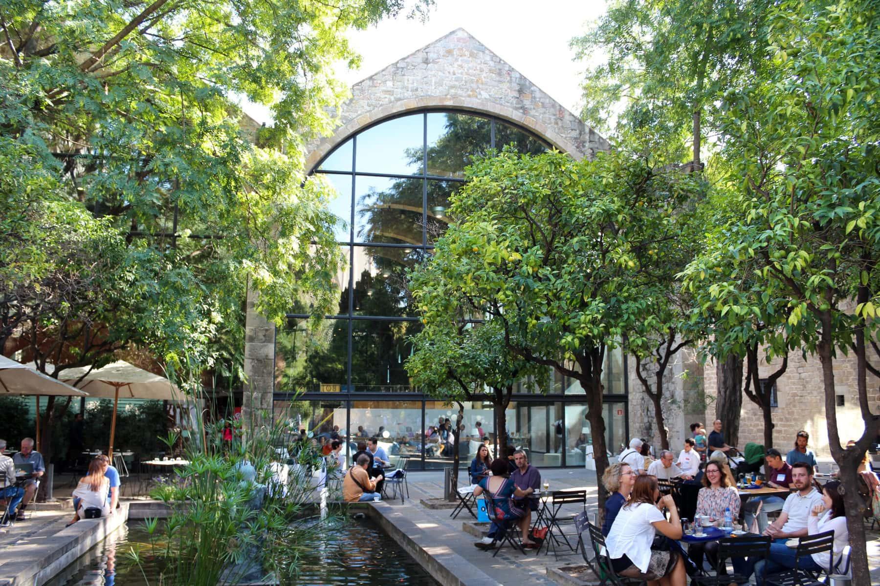 Cafe im Museum Maritim Barcelona