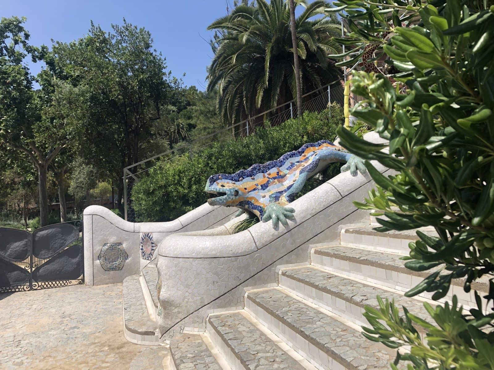 Der berühmte Drache im Park Güell, Barcelona