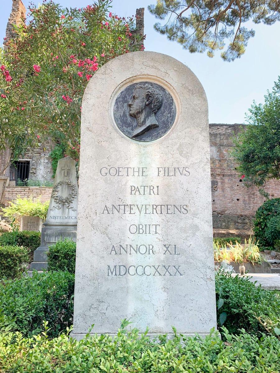 Friedhof Cimitero Acattolico, Grab August von Goethe, Rom