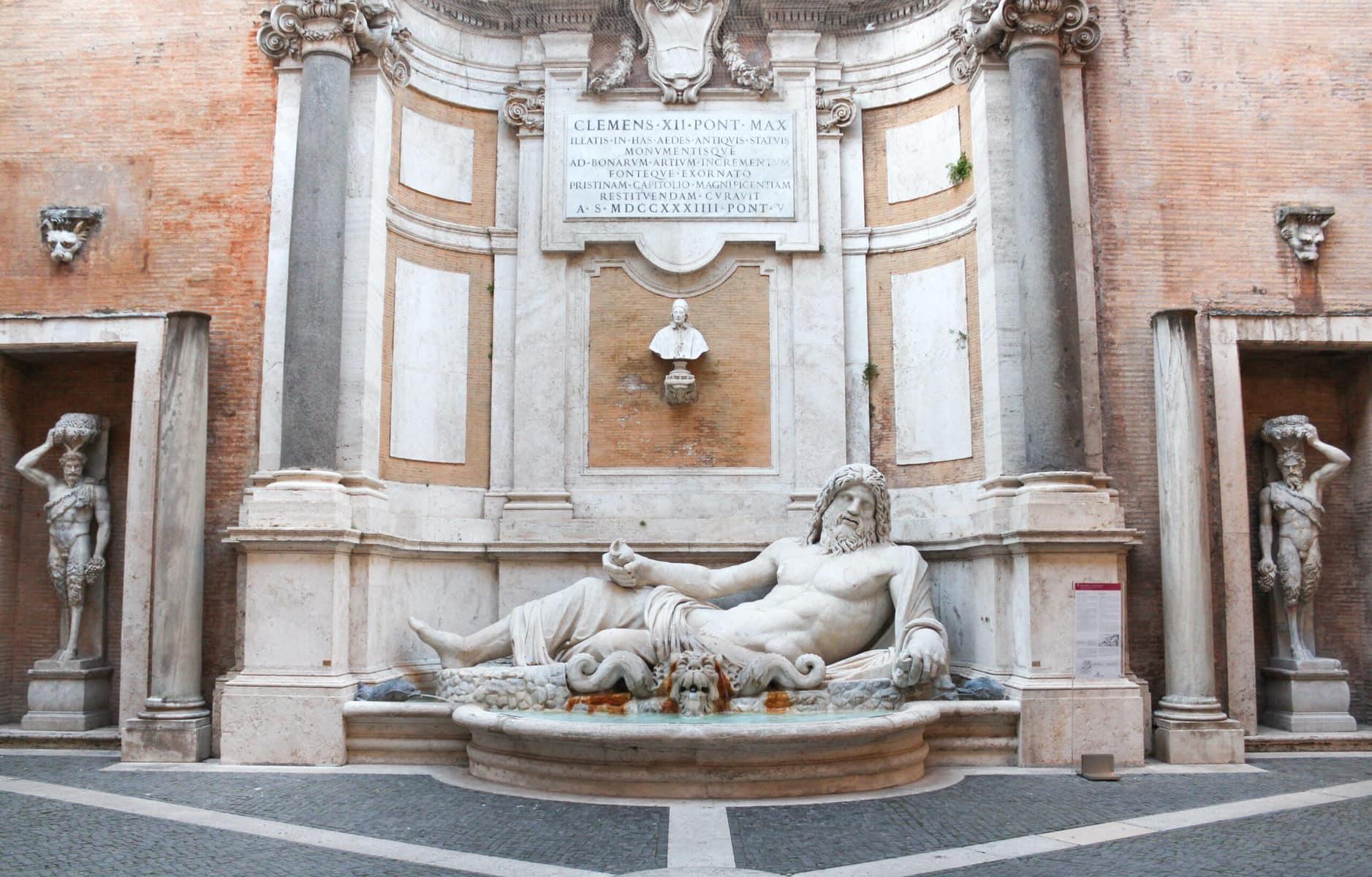 Marforio (Liegender Flußgott), Kapitolinische Museen, Rom