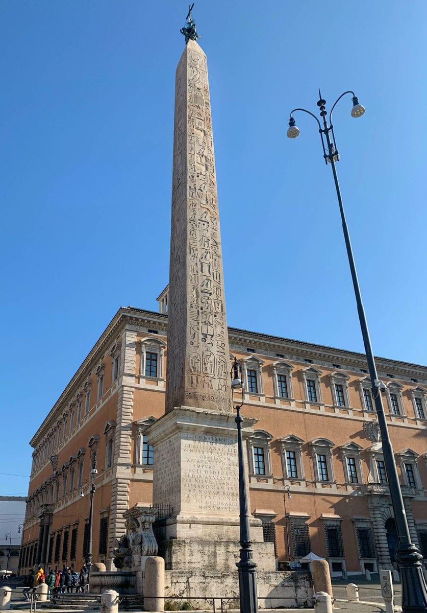 Der Lateran in Rom: Der Obelisk