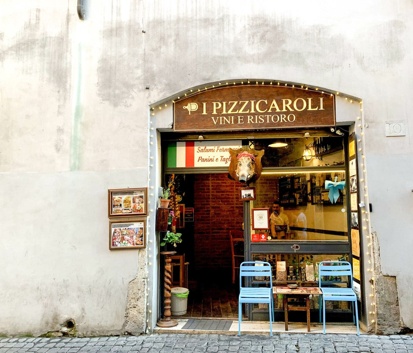 Aperitivo im Pizzicaroli, Rom