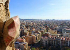 Sagrada Familia: Mit dem Aufzug hoch in die Türme der Passionsfassade - Blick über Barcelona