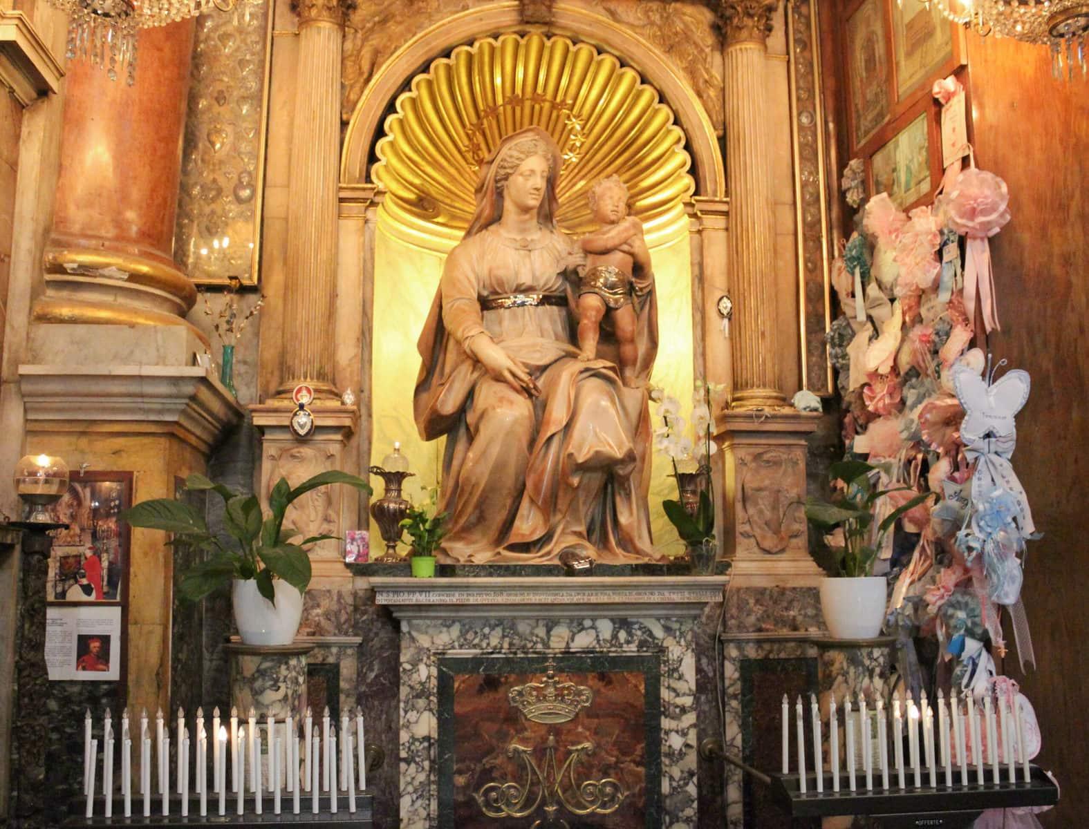 Madonna del Parto (Madonna der Geburt), Sant' Agostino in Campo Marzio, Rom