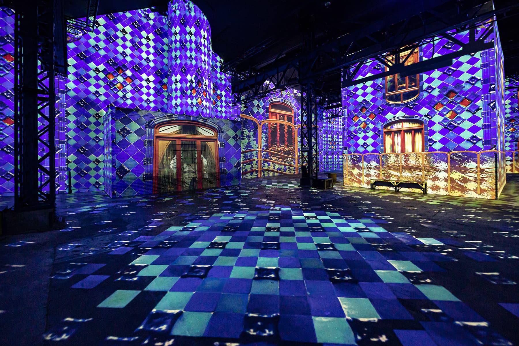 Gaudi-Ausstellung, Atelier Lumiere, Paris, © Culturespaces / E. Spiller