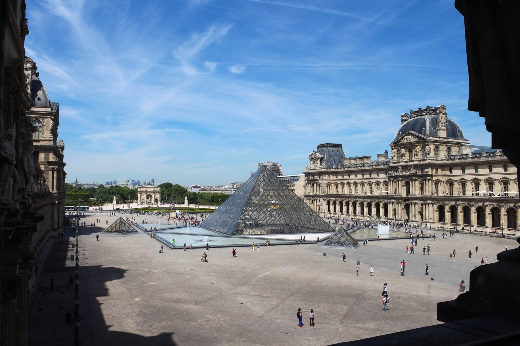Pyramide, Louvre, Paris
